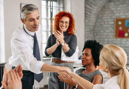 eBook: How to turn your employees into strong ambassadors?